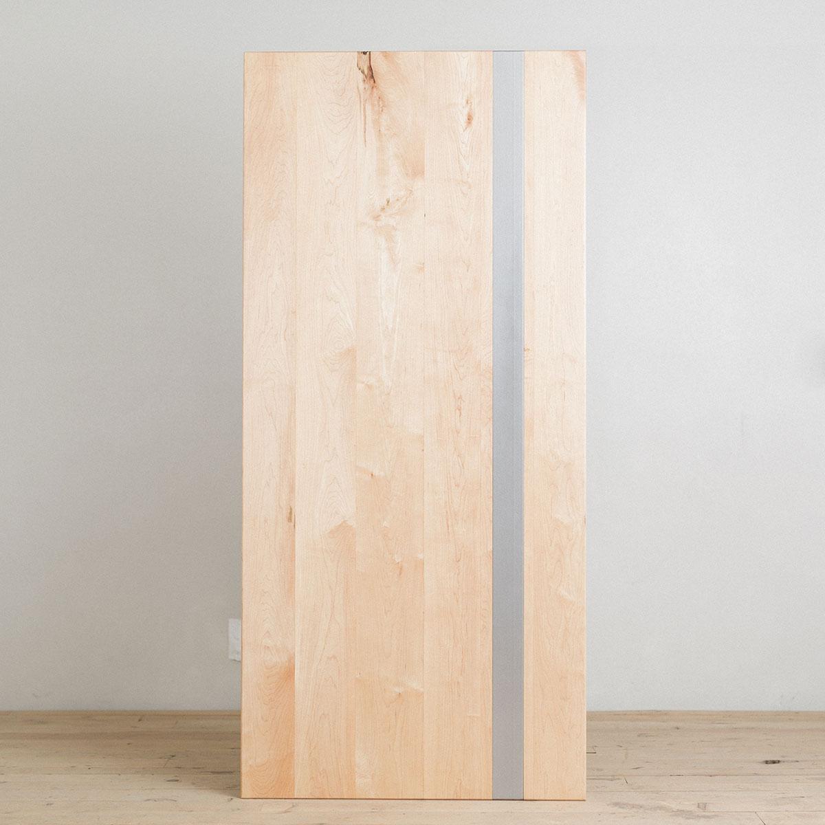 maple-table-top-steel-stripe